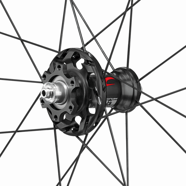 Racing Quattro Carbon DB hub front